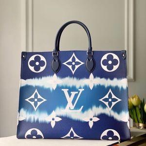 Louis Vuitton escale onthego blue